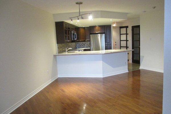Large 2-bd 2 bath in exceptional building